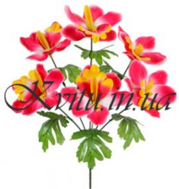 Кому дарят искусственные цветы?