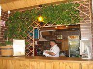 Обслуживание в баре на Здолбуновской