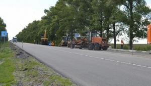 На дорозі Полтава-Олександрія облаштовують зупинки громадського транспорту