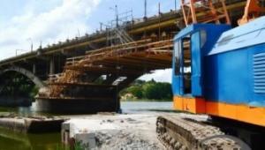 4 місяці ремонтують Київський міст: що вже зробили та, як виглядає переправа сьогодні