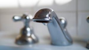 У трьох районах Києва відключать воду