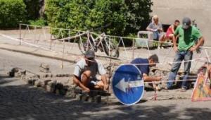 На вулицях Ужгорода триває поточний ремонт дорожнього покриття