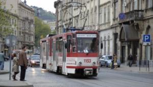 Завтра трамваї та тролейбуси Дніпра змінять свої маршрути