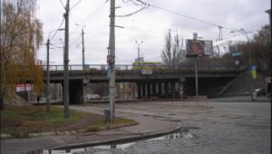 В Киеве капитально отремонтируют еще один мост